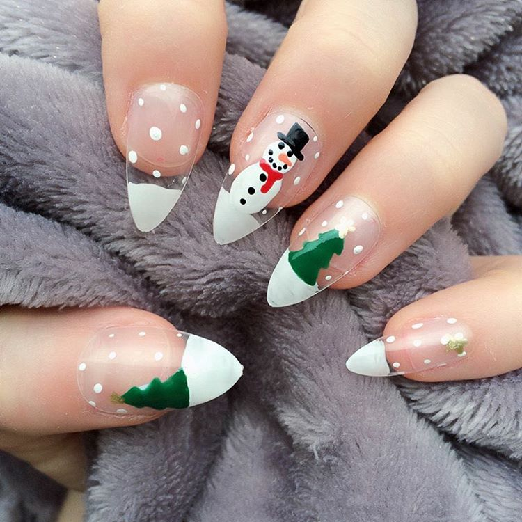 hand-painted-snowman-christmas-nails