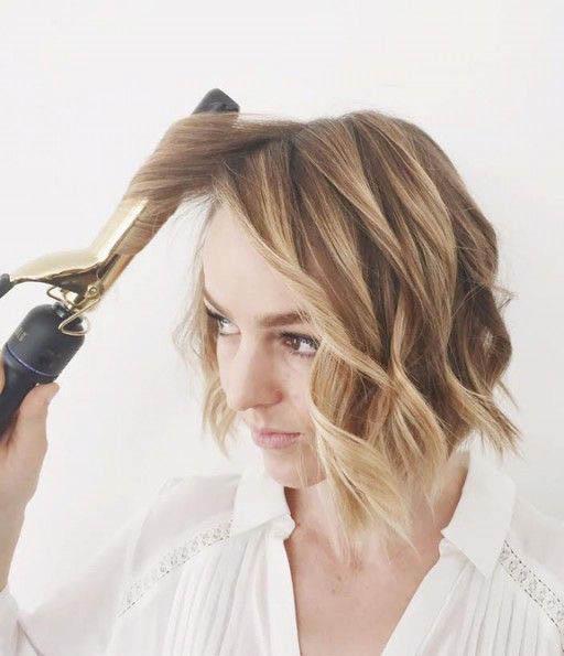 Valovi Uz Pomoć Pegle Za Ravnanje Kose Friz