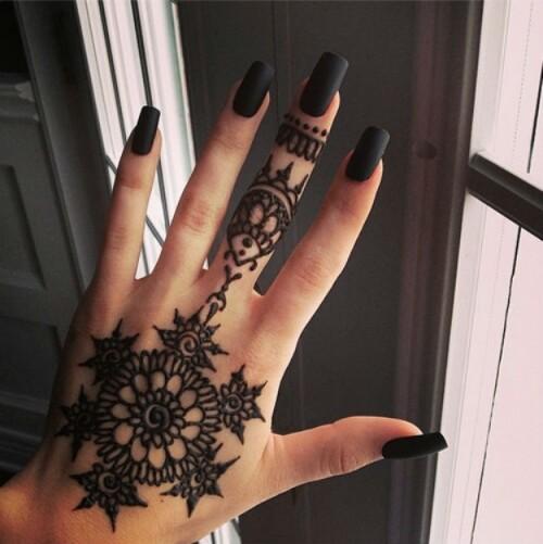 crni nokti