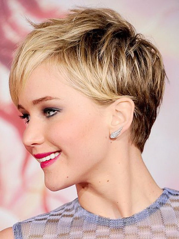 12-short-haircuts-for-round-faces