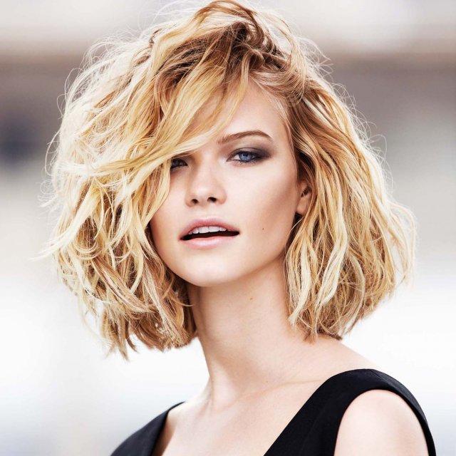coupe de cheveux ondulé naturel 1