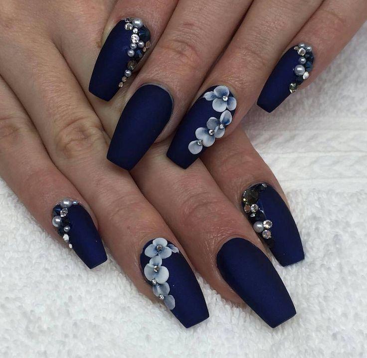 f27729346396fbfbd557c10fb96670ea-navy-blue-nails-beauty-nails