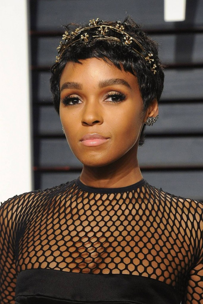 janelle-monae_glamour_11apr17_gettyimages_p