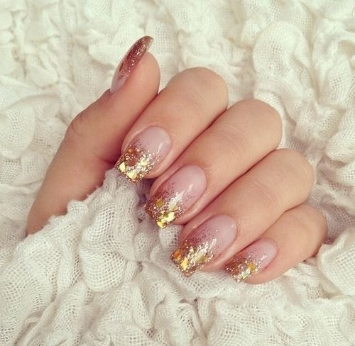 5772360280959e27d056652c96f721dd--gold-tip-nails-gold-sparkle-nails
