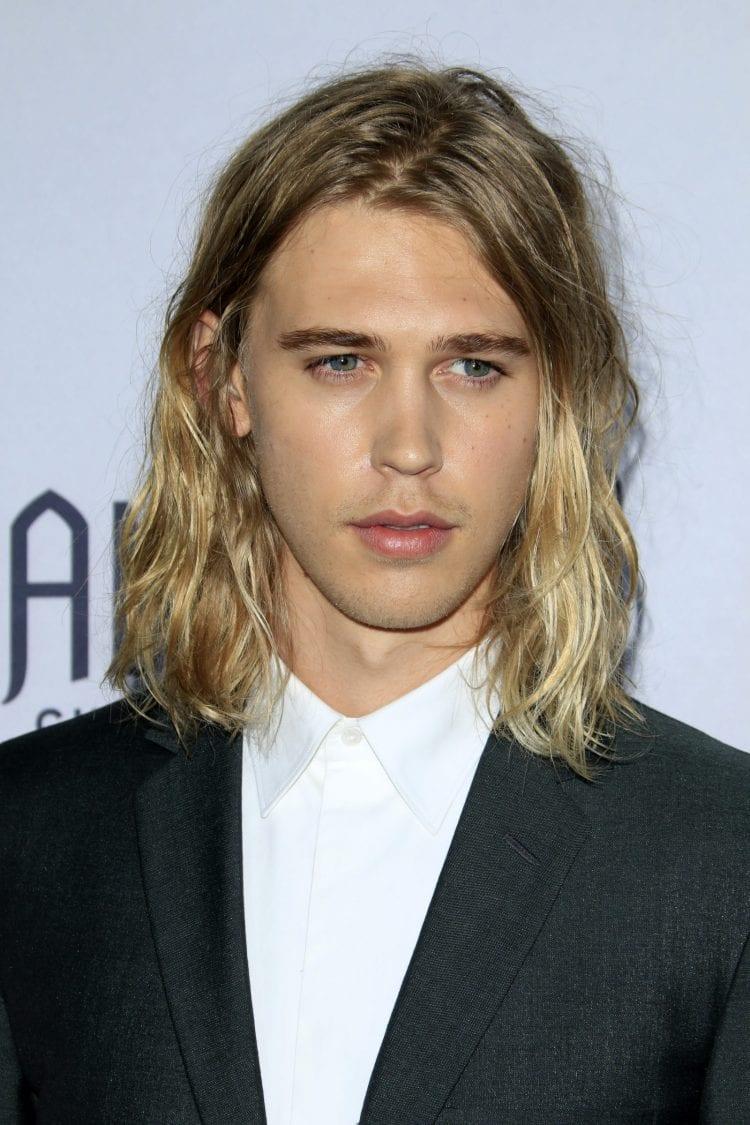 Austin-Butler-Surfer-Long-Hair-750x1125