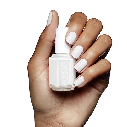ESSIE-enamel-blanc-on-hand-2