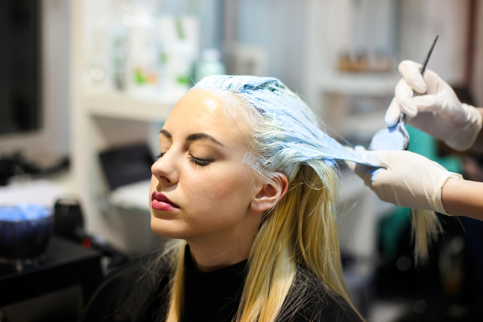 touch-up-roots-blonde-salon