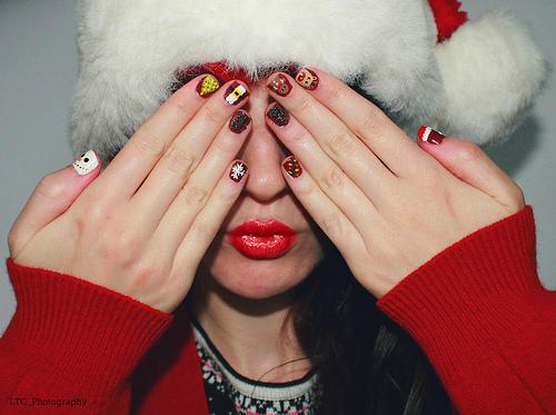 11523295596_426064d595_christmas-nail-art
