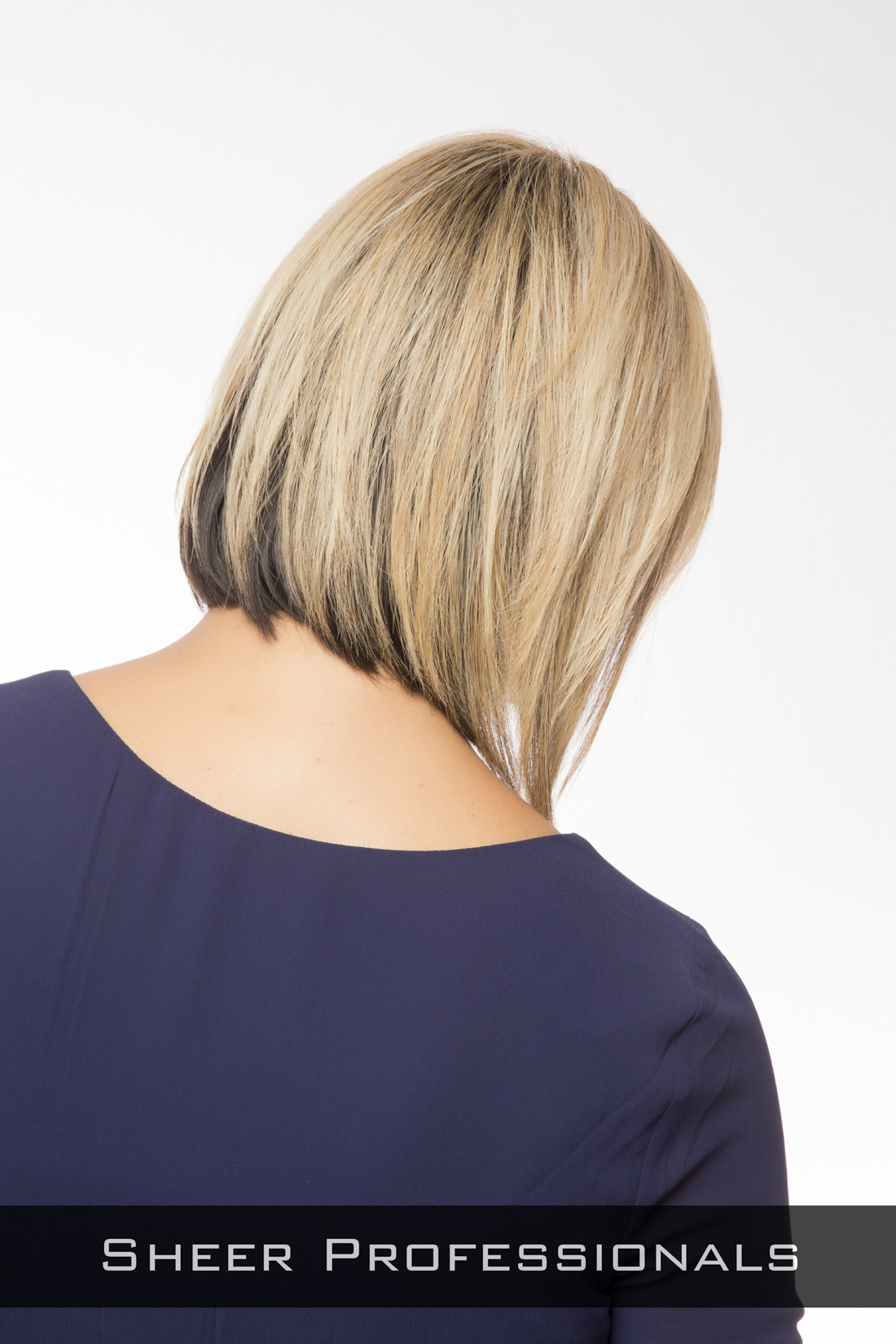Sleek-Bob-Hairstyle-for-Round-Faces-Back