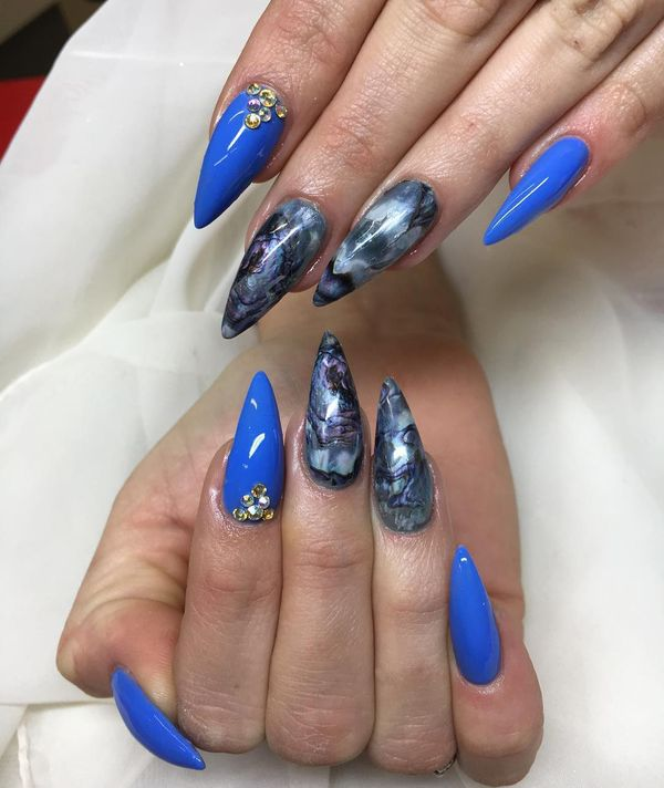 Royal-Blue-Stiletto-Nails