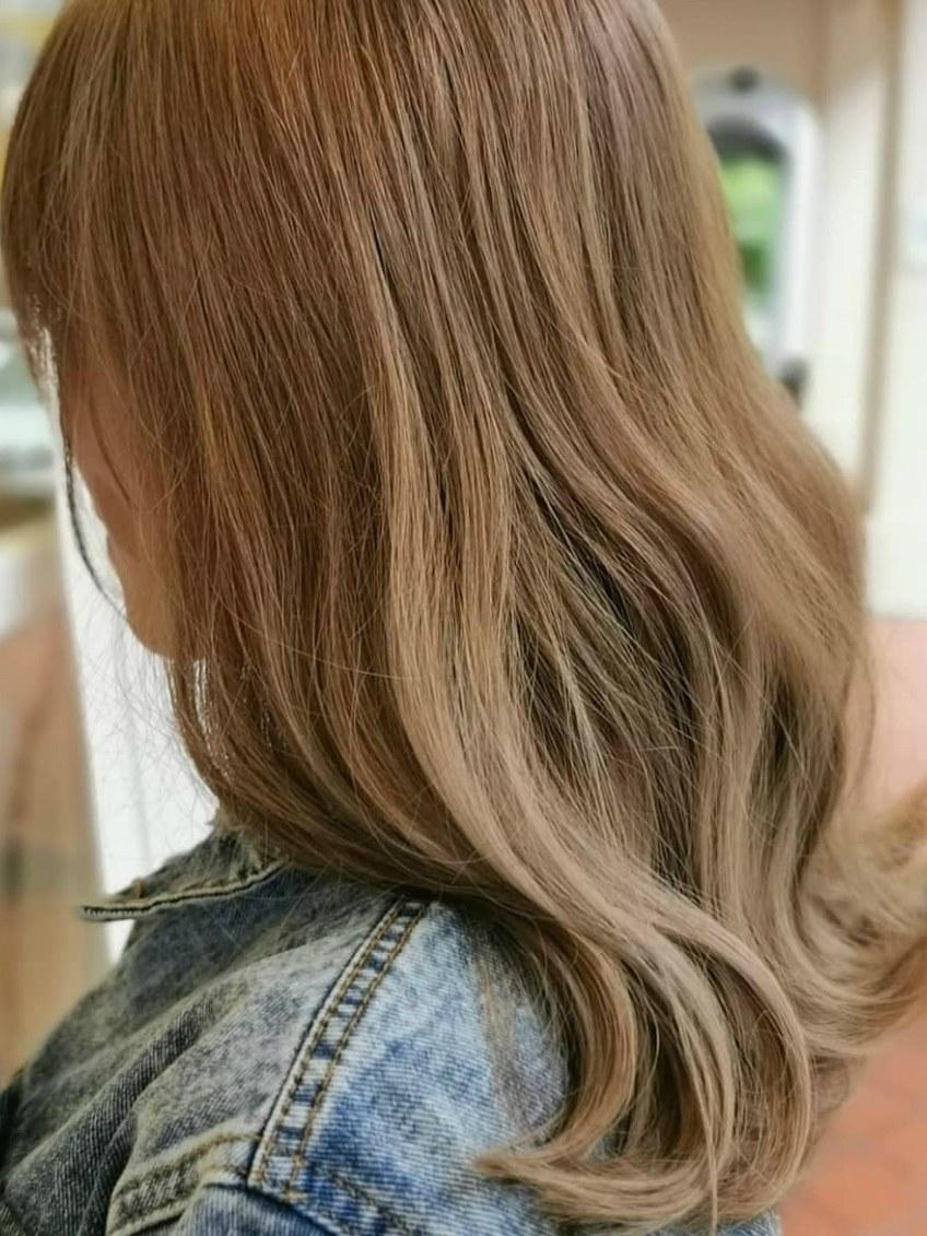 milk tea hair color