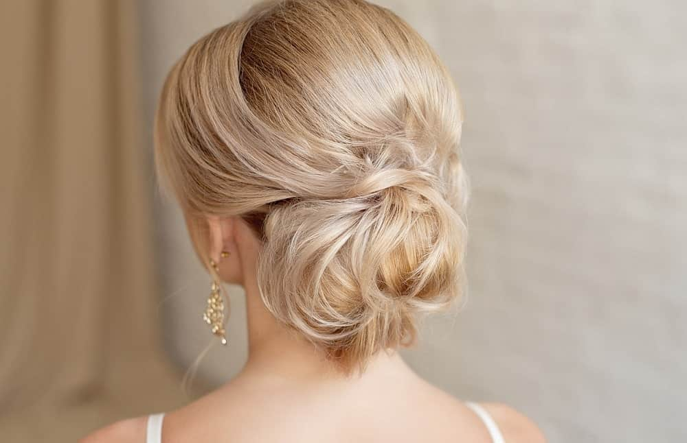 low-messy-bun-for-women-18