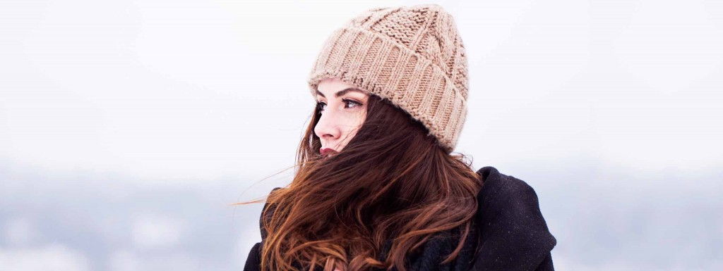 2560x963_woman-brown-hair-winter-hat1-wcms-hr